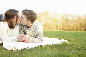 adolescenti-bacio