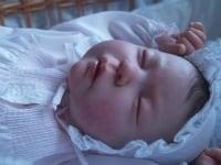 bambino-bambola-ap