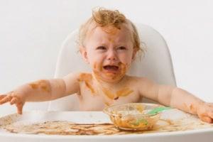 bambino-rifiuta-cibo-400