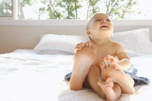 neonato-piedi-mamma-400