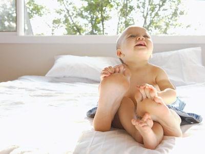 neonato-piedi-mamma-400.180x120