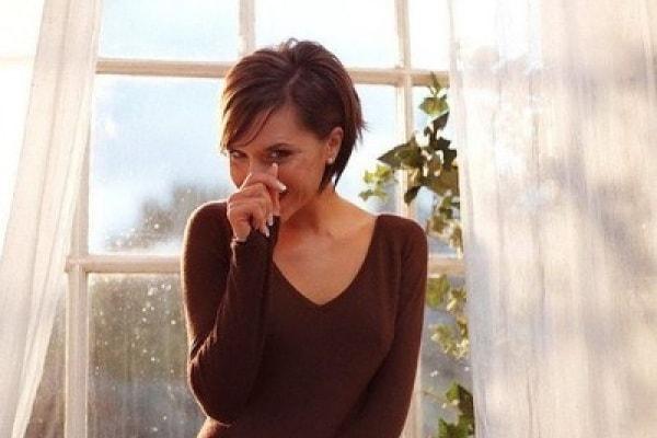 Victoria Beckham ha problemi alla schiena: i tacchi alti in gravidanza fanno male?