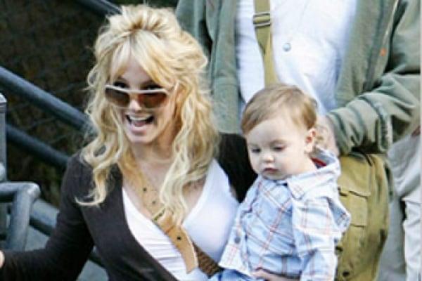 Britney Spears contro la mamma: non sono un bancomat