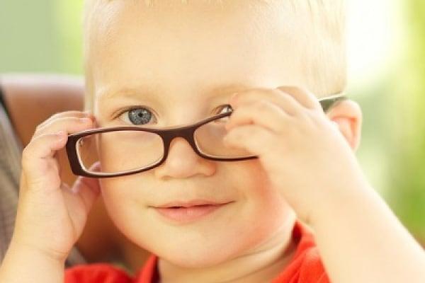 Visita oculistica pediatrica per la diagnosi precoce di eventuali disturbi