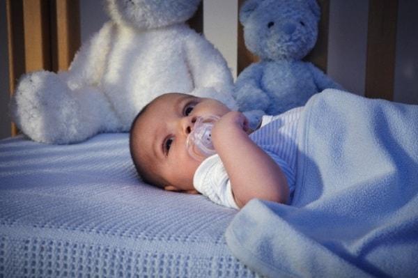 neonato-notte.180x120