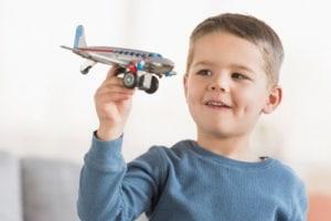 bambino-aereo-400