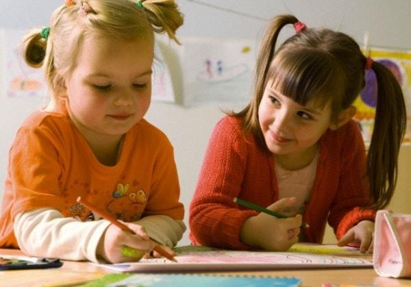 scuola-infanzia-bambine