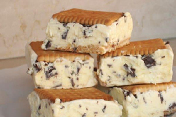 Merenda d'estate: il biscotto gelato fatto in casa