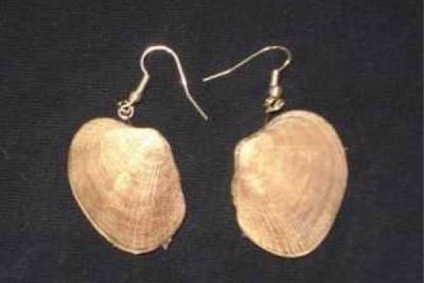 Lavoretti estivi: orecchini con conchiglie