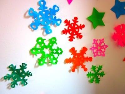 Fiocchi Di Neve Di Carta Facili : Fiocchi di neve di carta riciclata per natale mammenellarete