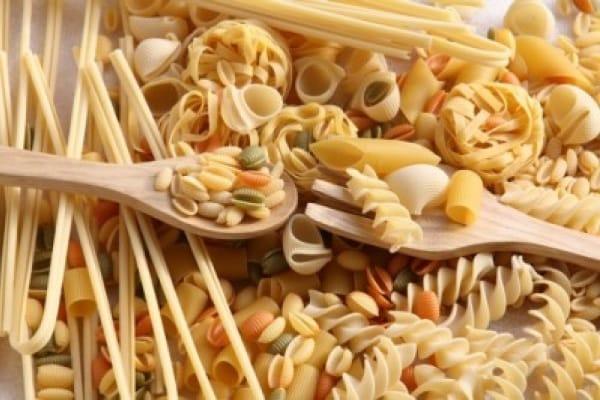 Frittata di pasta, ricetta facile per riutilizzare gli avanzi