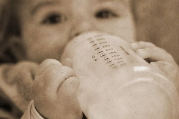 I consigli di BabyGreen sulla scelta del biberon