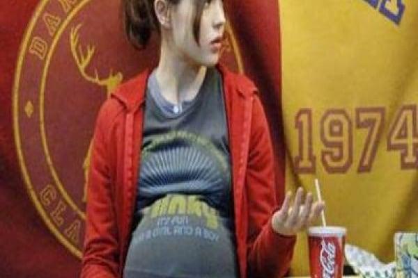 Supporto alle mamme bambine: alcune opzioni