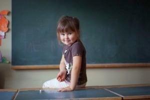 bambina-scuola-400