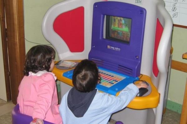 A scuola col megaschermo touch screen