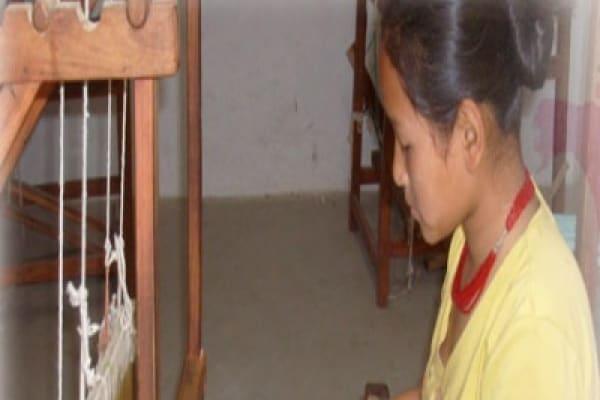 Inizia la scuola: regala il diritto all'istruzione delle bambine nel mondo