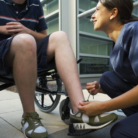 sedia-a-rotelle-ragazzo