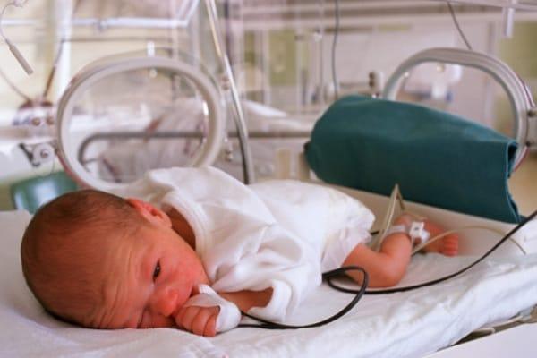 Il mio bimbo in terapia intensiva: un incubo durato venti INTERMINABILI giorni