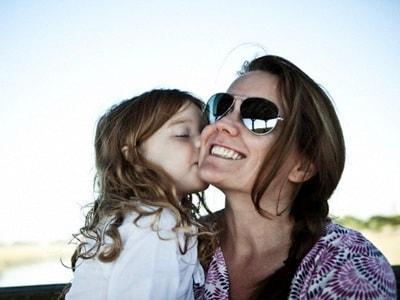 bacio-mamma-figlia-400.180x120