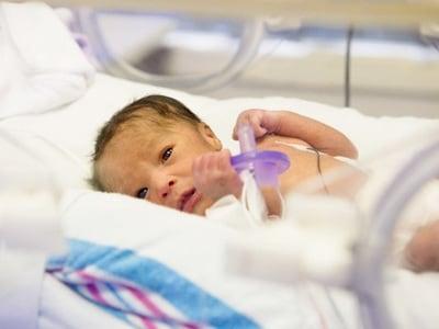 neonato-prematuro-400.180x120