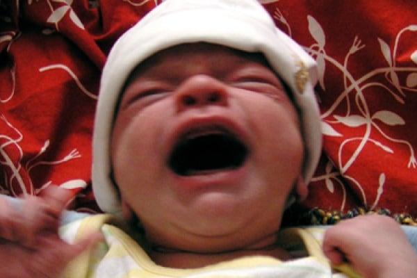 Perché i bambini piangono