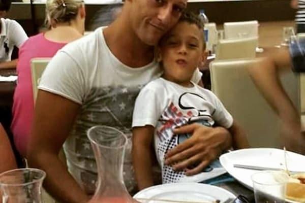 Papà Fabio insieme al suo piccolo