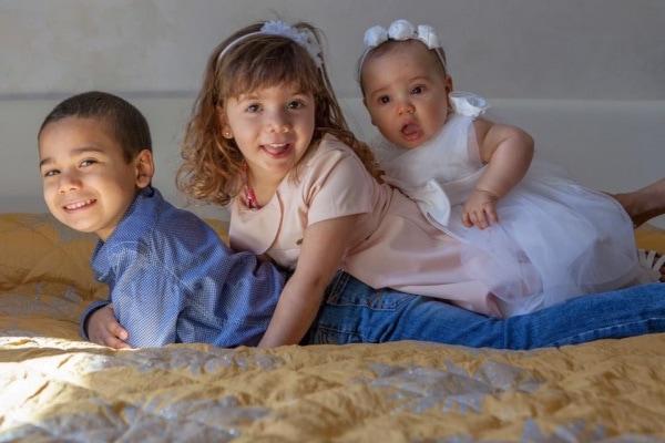 Famiglie miste: 21 foto dei figli bellissimi