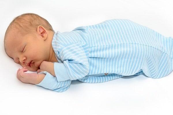 Sonno bambini: 11 dubbi più comuni delle mamme