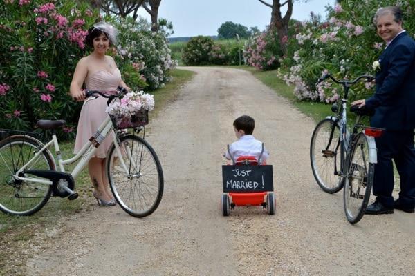 Foto abiti da sposa colorati