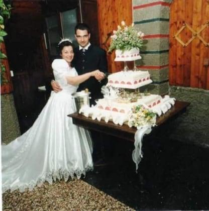 Wedding cake 11 originali torte nuziali inviate dalle for Decorazioni nuziali