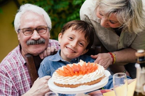 10 pensieri e piccoli doni da regalare ai nonni per la festa del 2 ottobre