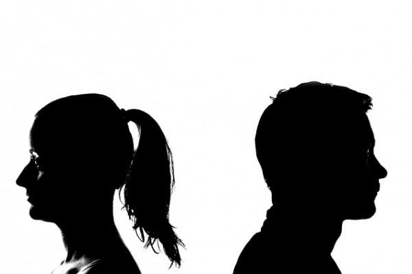 Ho avuto un figlio da una relazione extraconiugale. Lei ci ha scoperti