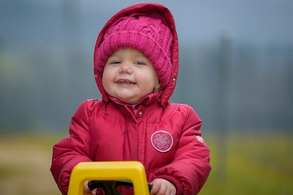 bambina bionda