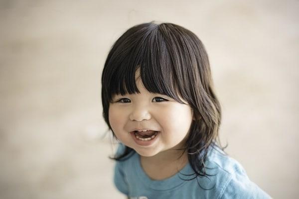 I bimbi riempiono il mondo di allegria. Lasciatevi contagiare