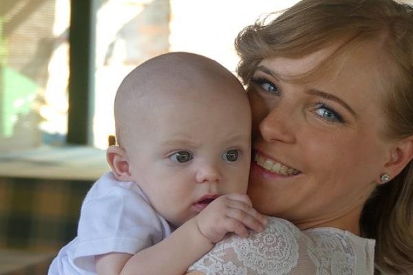 Ho scelto di adottare un bimbo. Ora sono una felice mamma di cuore